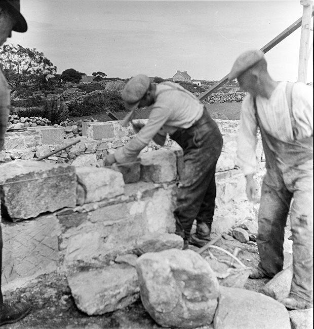 Livelihood and Housekeeping: stonemason