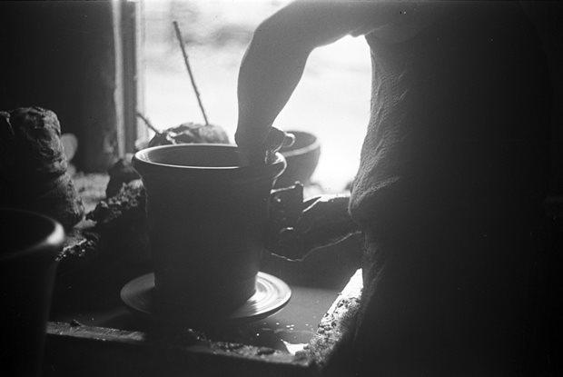 Livelihood and Housekeeping: potter / pottery
