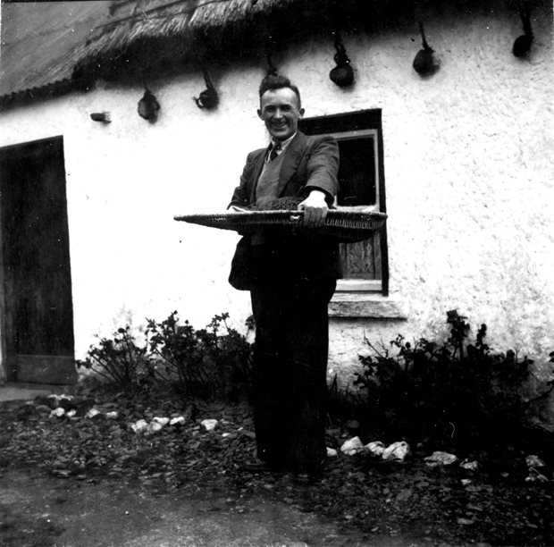 Folklore Collecting: officials of the Irish Folklore Commission