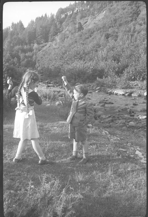 Cluichí agus Caitheamh Aimsire: cluiche cnónna capaill