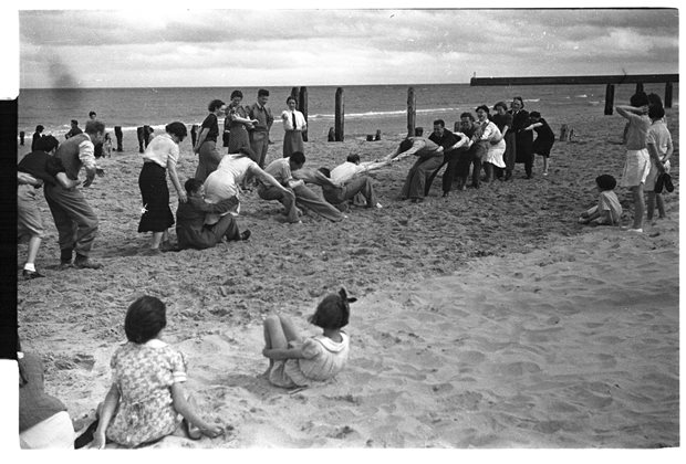 Games and Pastimes: tug of war